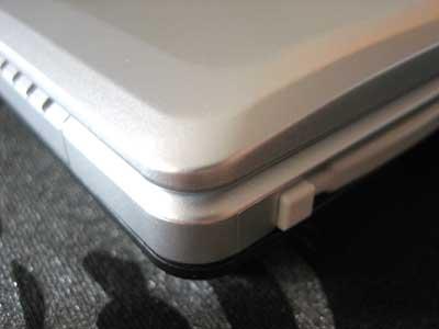 양귀비 노트북 덮개를 덮은 사진(앞면)