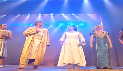 DVD에서 추출한 레딕스십계(les dix commandements)공연 장면3